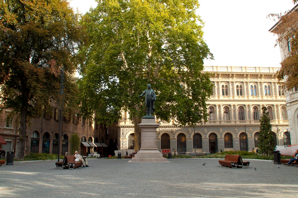 La nuova Piazza Minghetti - Robertobag89 - Bologna (BO)