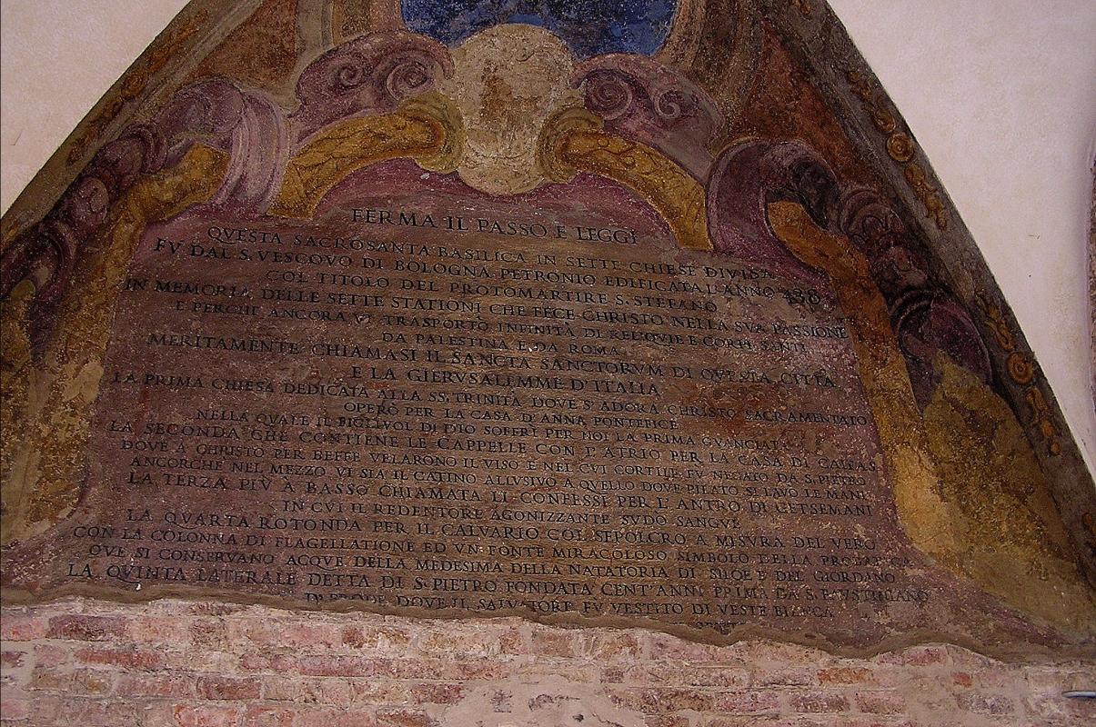 'Ferma il passo e leggi...', Basilica di Santo Stefano (Bologna) - Davide Rizzo - Bologna (BO)