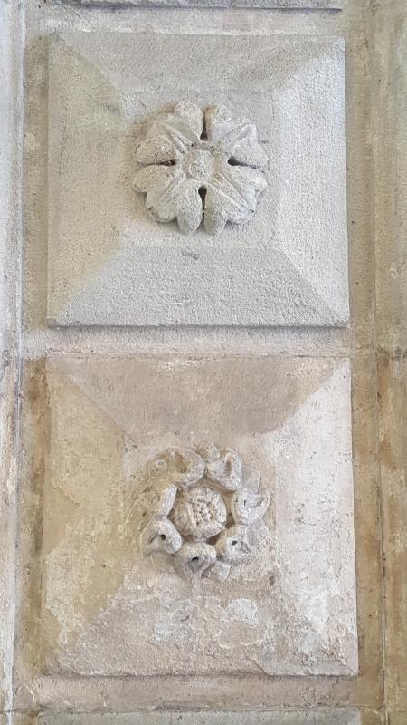 Bologna. Formelle del Portico del Podestà.1 - Raffacossa - Bologna (BO)