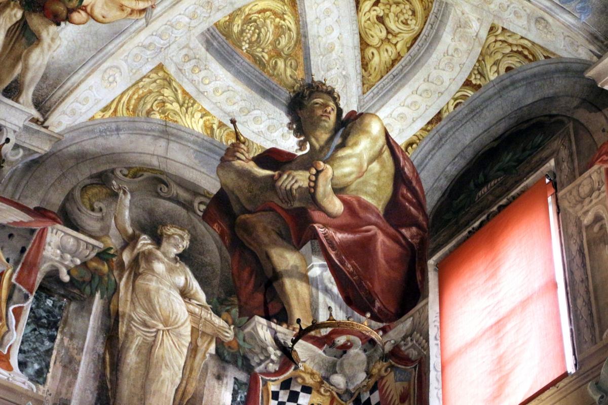 Domenico Maria Canuti, salone di palazzo pepoli campogrande con apoteosi di ercole, quadrature del mengazzino, xvii sec. 07 - Sailko - Bologna (BO)