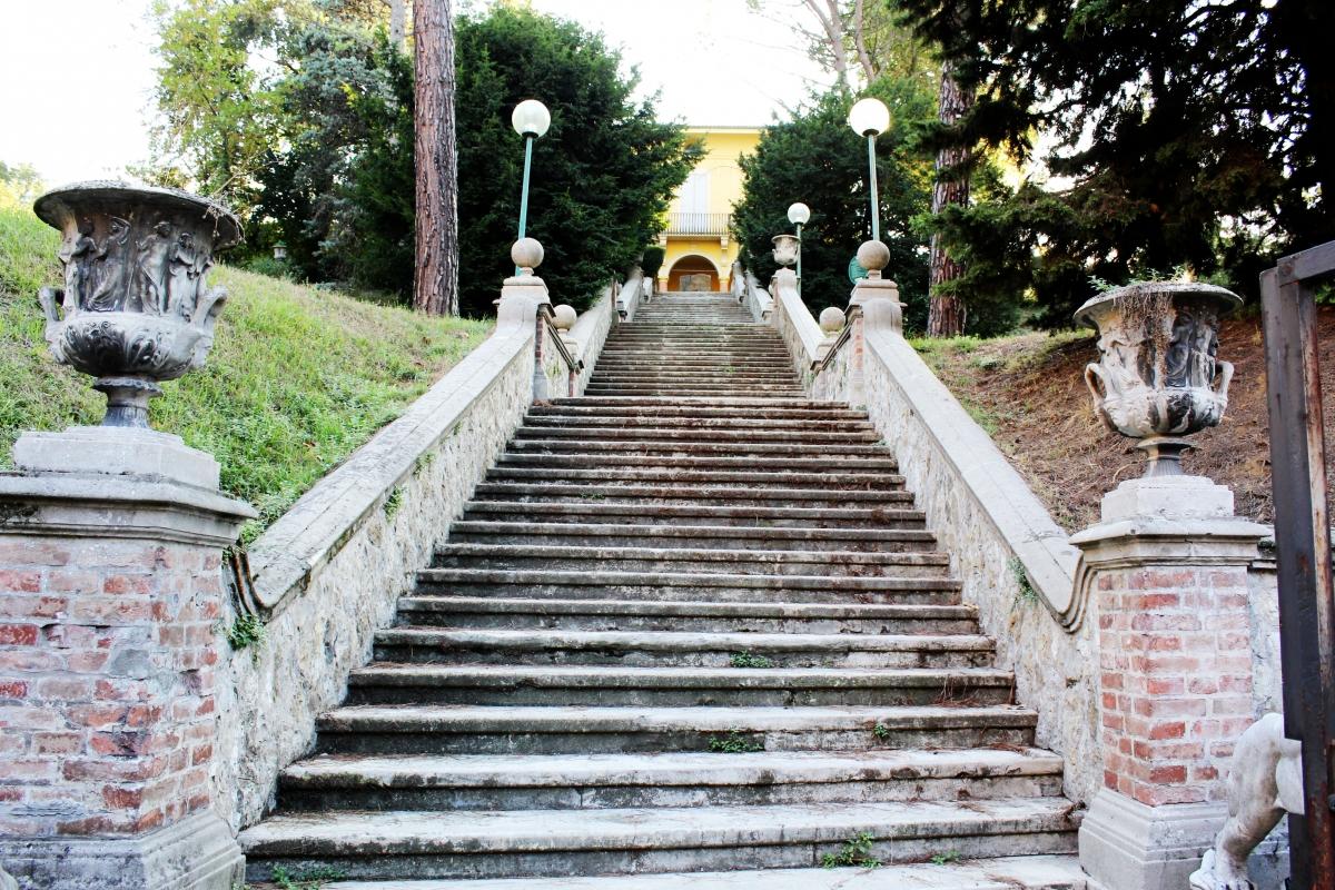 Scalinata VillaDelleRose - LunaLinda - Bologna (BO)
