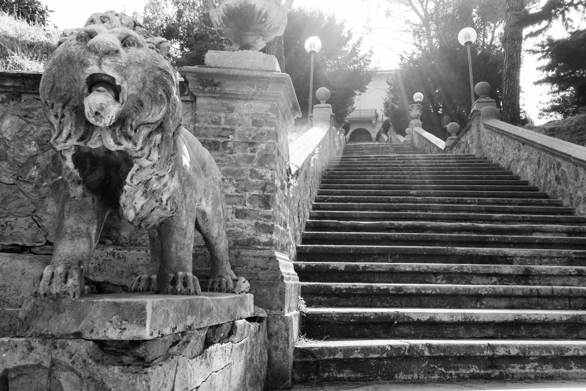 Scalinata di accesso al Parco di Villa delle Rose - Ugeorge - Bologna (BO)