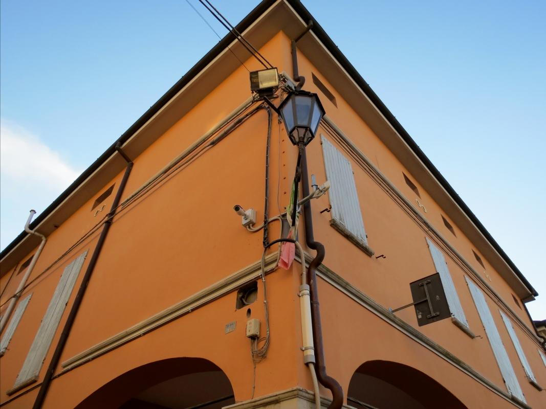Palazzo Cavallini angolare - DONAT - Crevalcore (BO)