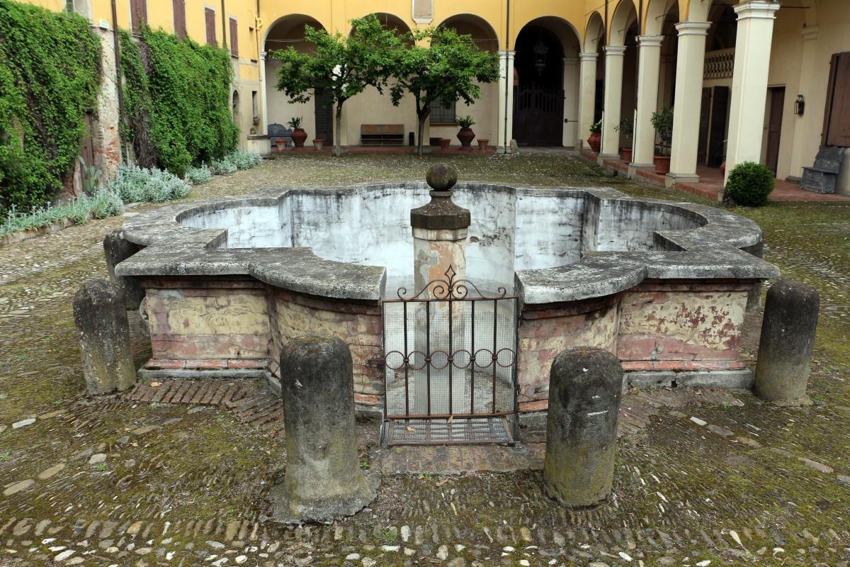 Imola, palazzo tozzoni, esterno, cortile 03 forntana - Sailko - Imola (BO)