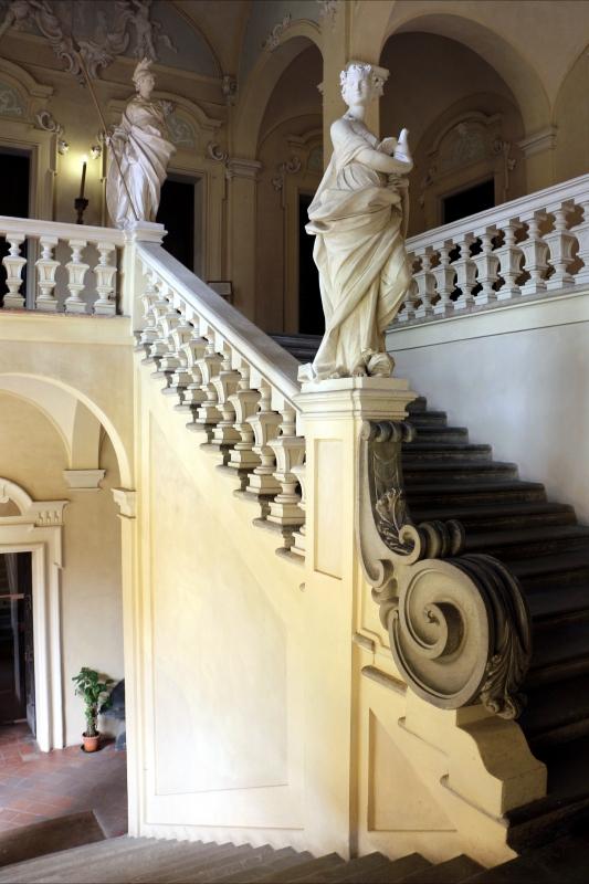 Imola, palazzo tozzoni, scalone con statue in stucco di francesco janssens, 1735 ca. 03 - Sailko - Imola (BO)