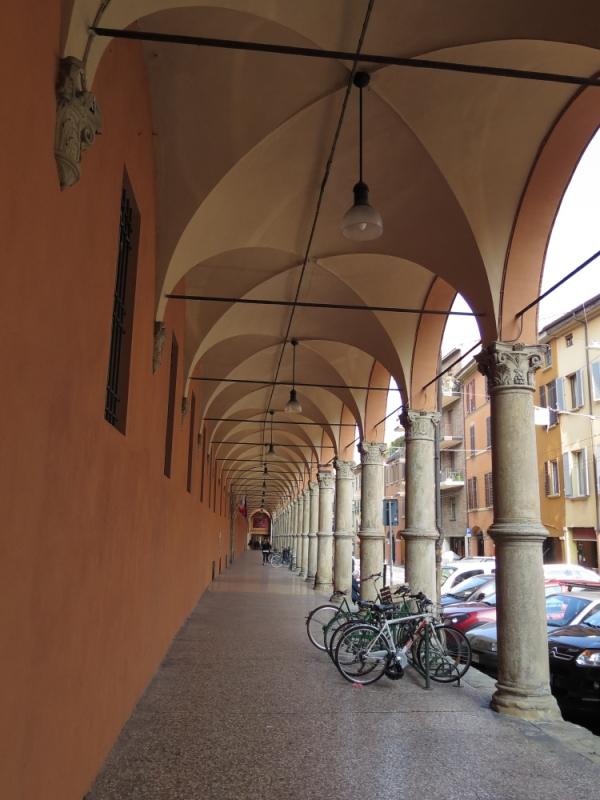 Bologna Complesso Baraccano Portico - GennaroBologna - Bologna (BO)