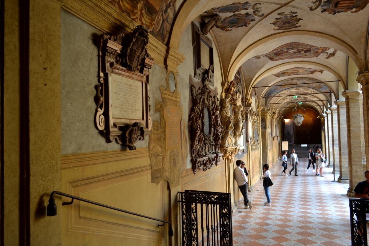 'Archiginnasio PORTICO DAL ENTRATA IN BIBLIOTECA - Anita1malina - Bologna (BO)