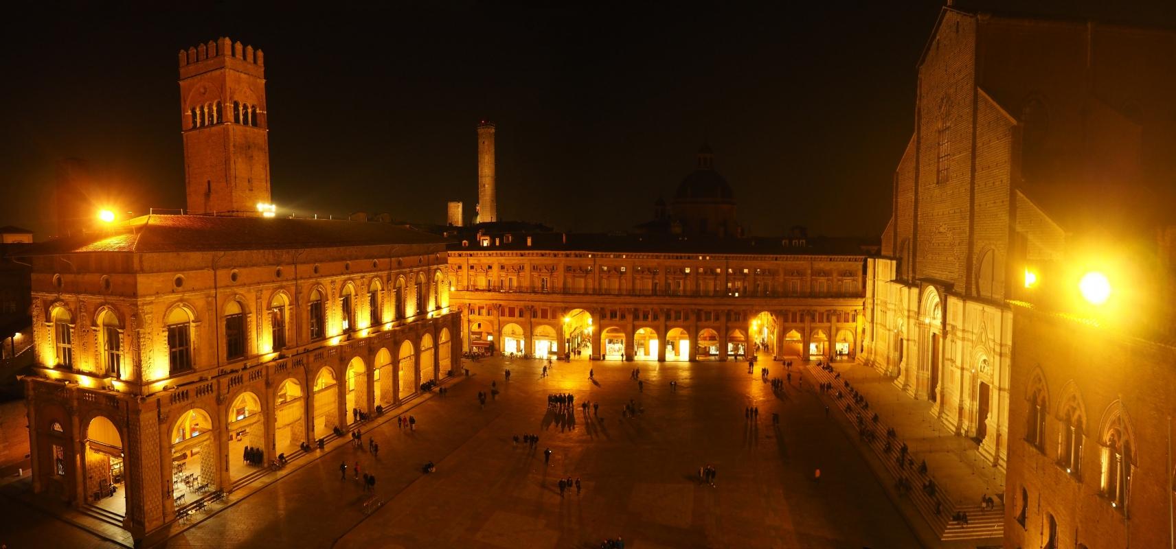 Bologna - Piazza Maggiore da Palazzo d'Accursio - MarkPagl - Bologna (BO)
