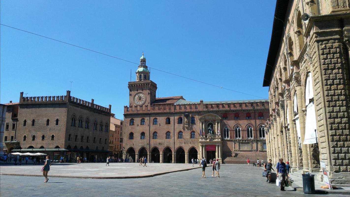 PIAZZA MAGGIORE - Clodette662000 - Bologna (BO)