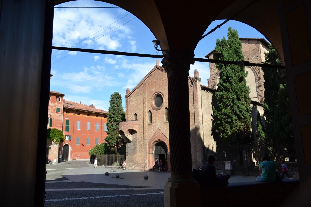 Piazza santo stefano vista dal portico - Anita1malina - Bologna (BO)