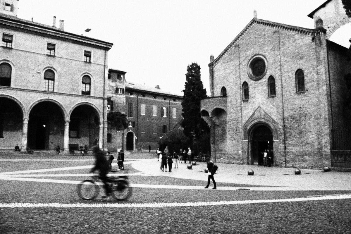 PiazzaSantoStefano1 - Lady&Mody - Bologna (BO)