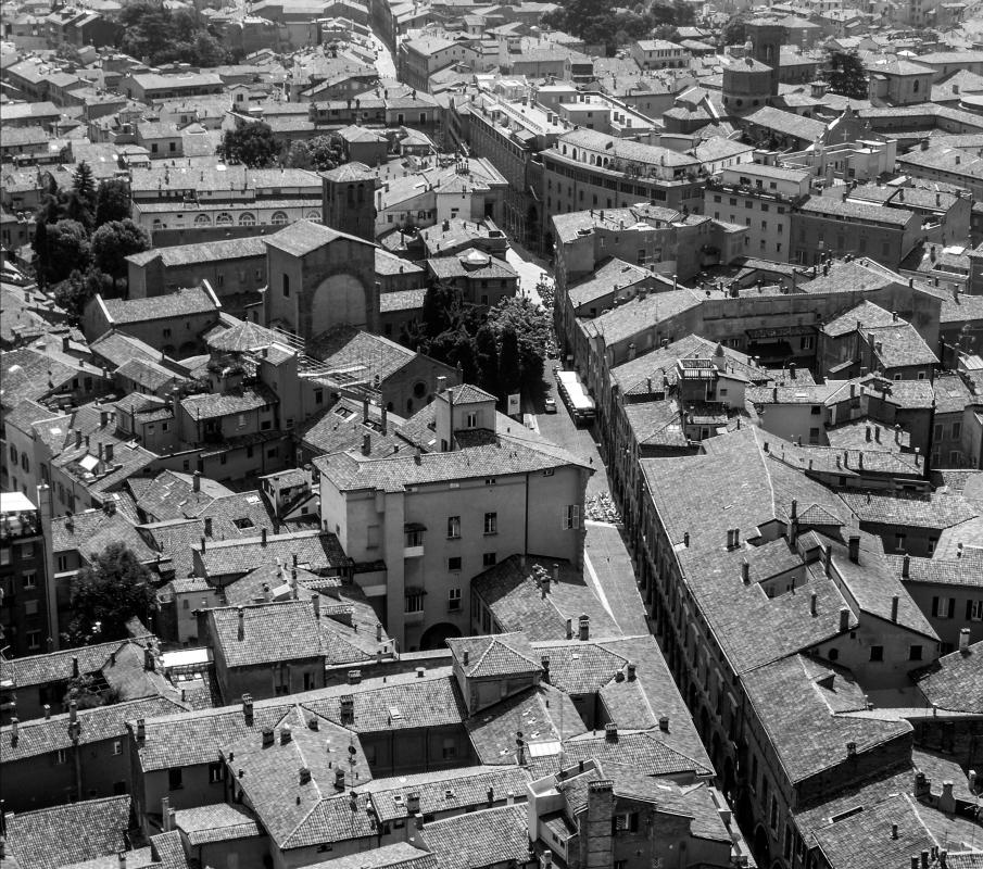 Piazza Santo Stefano - Bologna - aerial view - Nicola Quirico - Bologna (BO)