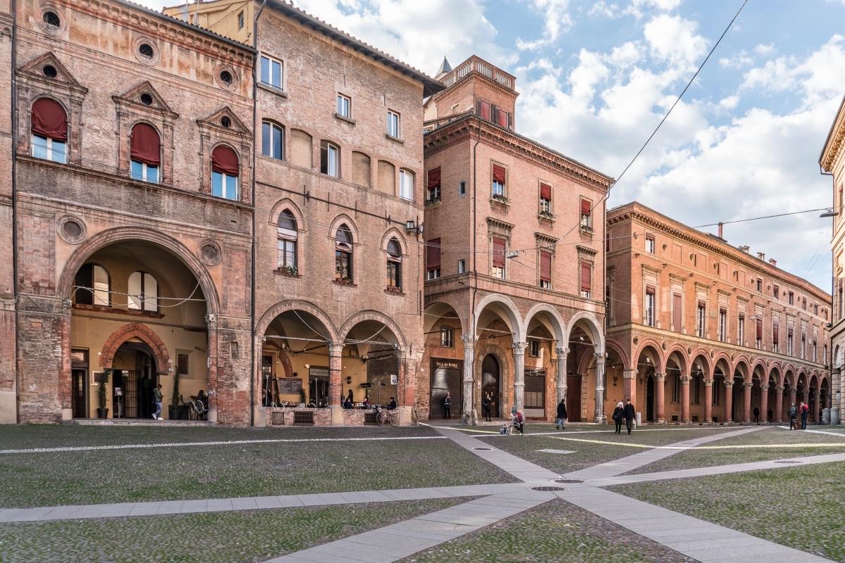 5 Piazza Santo Stefano - Vanni Lazzari - Bologna (BO)