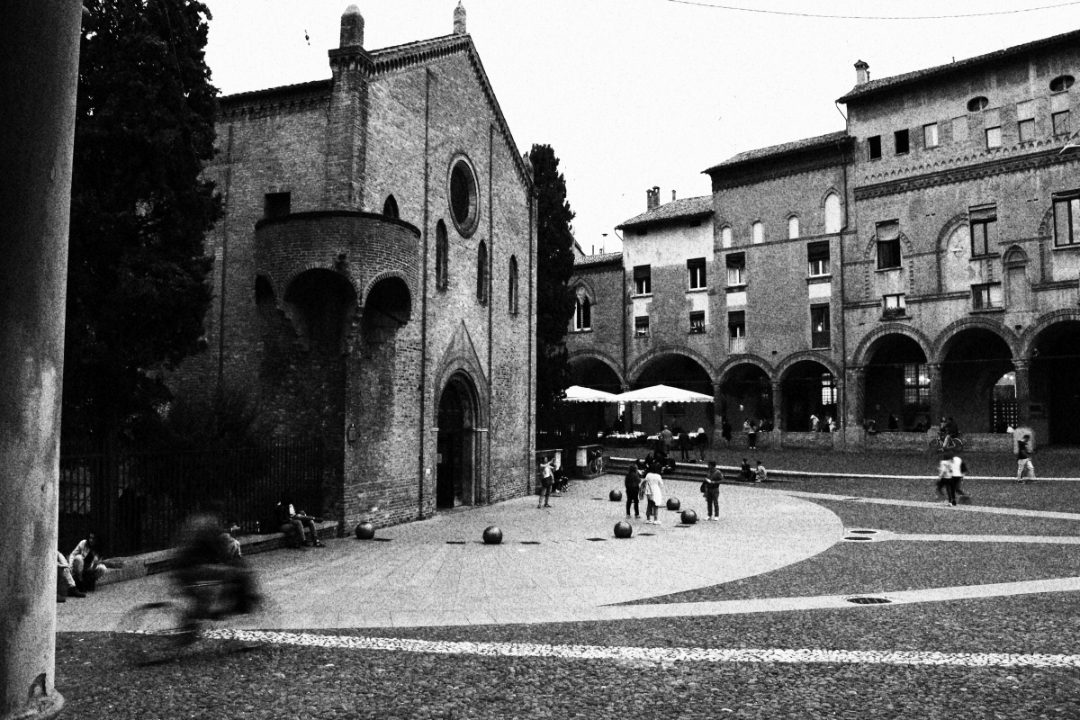 PiazzaSantoStefano2 - Lady&Mody - Bologna (BO)