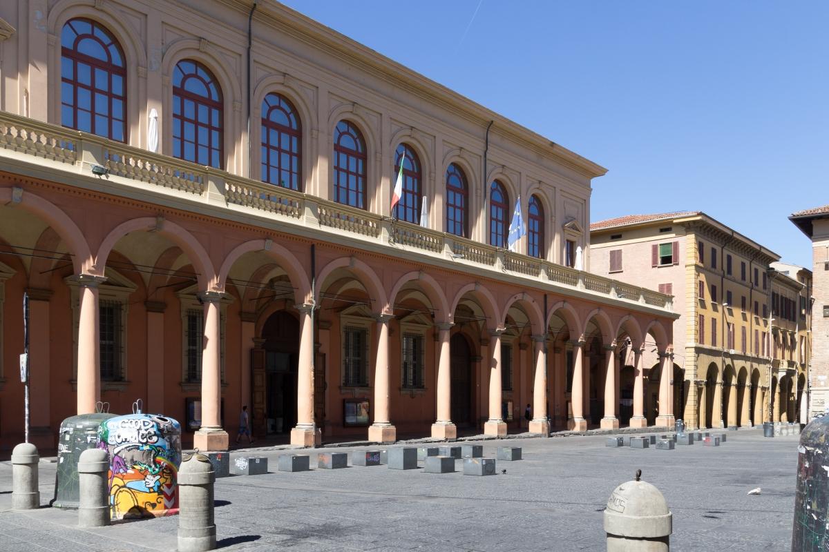 Piazza verdi vuota - Elisabetta Bignami - Bologna (BO)