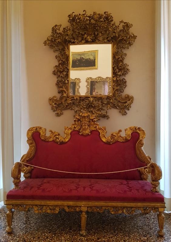 Palazzo Pepoli Campogrande - Sala Felsina specchio e divano - Opi1010 - Bologna (BO)