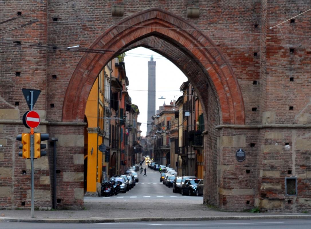 PORTA SAN VITALE 2 TORRI IN VISTA - Anita1malina - Bologna (BO)