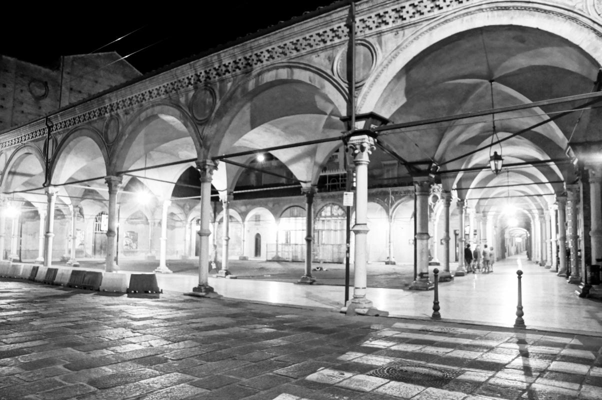 Bologna, Basilica di S.Maria dei Servi, in notturna - Alessandro Siani - Bologna (BO)