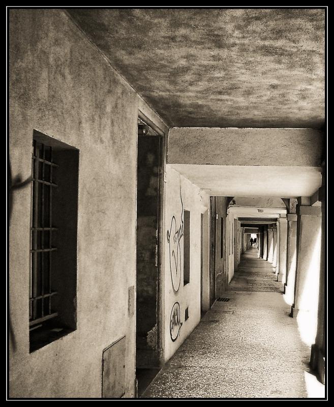I portici di via Santa Caterina - Bolorsi - Bologna (BO)
