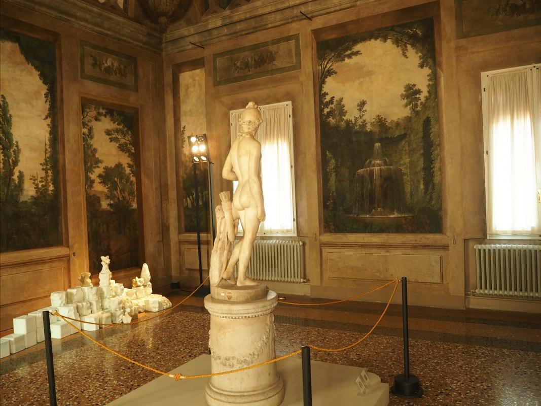 Sala Boschereccia di Palazzo d'Accursio con Apollino di Canova 1 - MarkPagl - Bologna (BO)