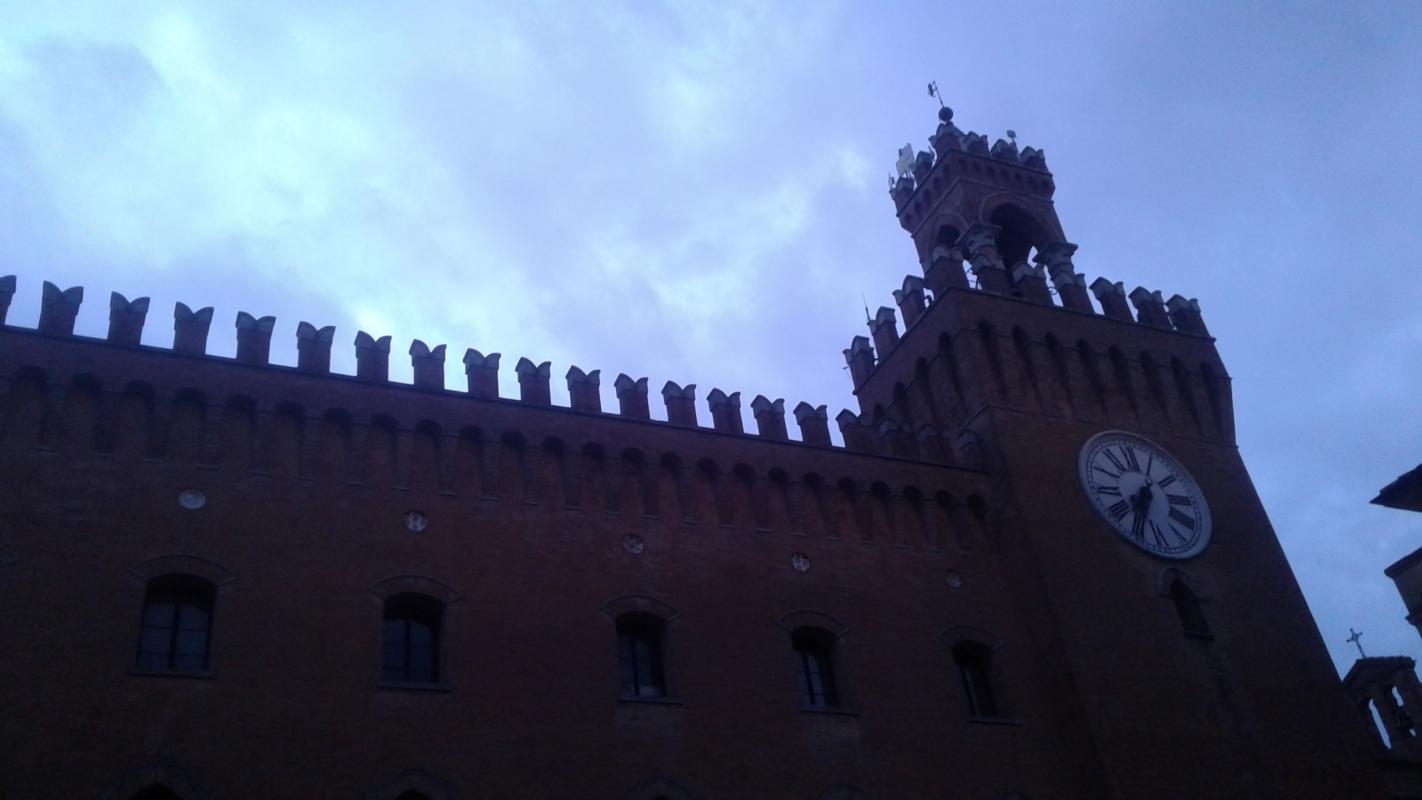 Palazzo comunale all'imbrunire - DanielaMangano - Budrio (BO)