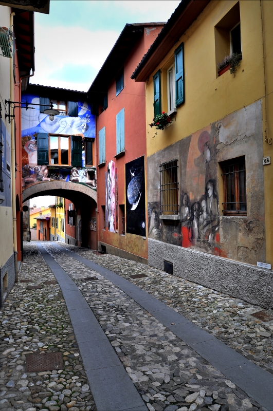 Dozza via De Amicis l'arte nelle vie - Wwikiwalter - Dozza (BO)