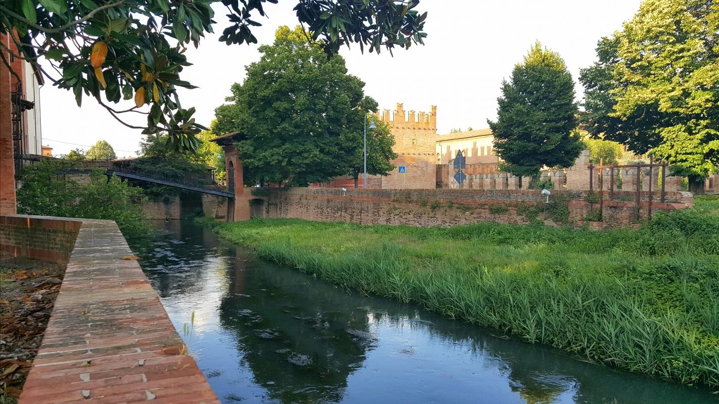 Castello di Bentivoglio visto da Palazzo Rosso - Esila83 - Bentivoglio (BO)