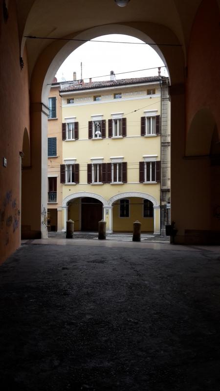 Voltone del Baraccano verso via Santo Stefano - Alessandro Conte Pai Pao Ren - Bologna (BO)