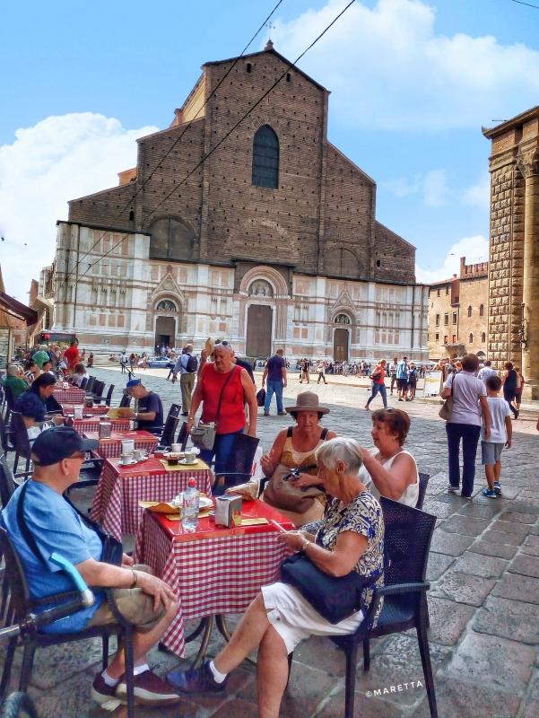 Relax guardando la Basilicata di San Petronio - Maraangelini - Bologna (BO)