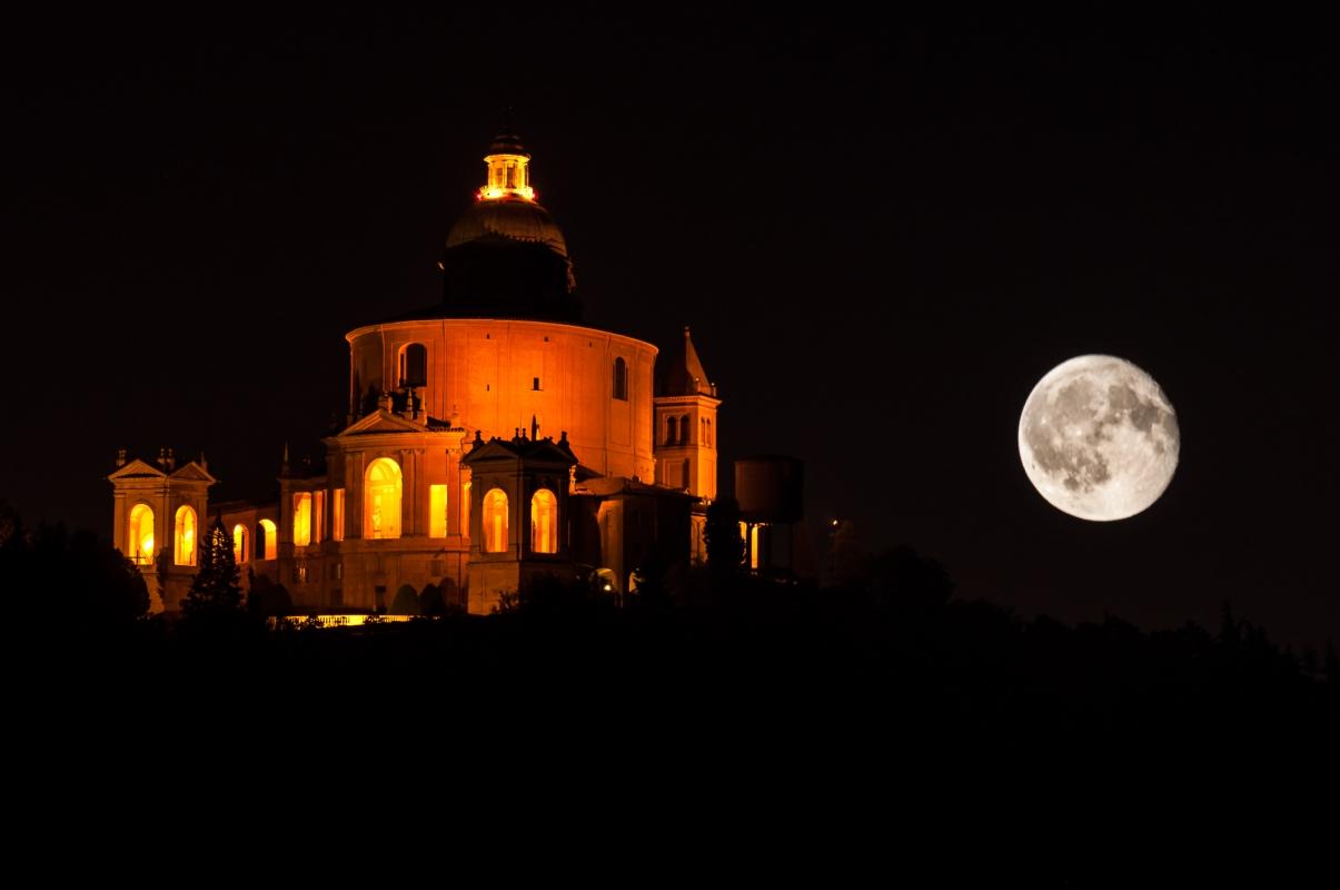 San Luca e la Big Luna - Paolo Patella - Bologna (BO)
