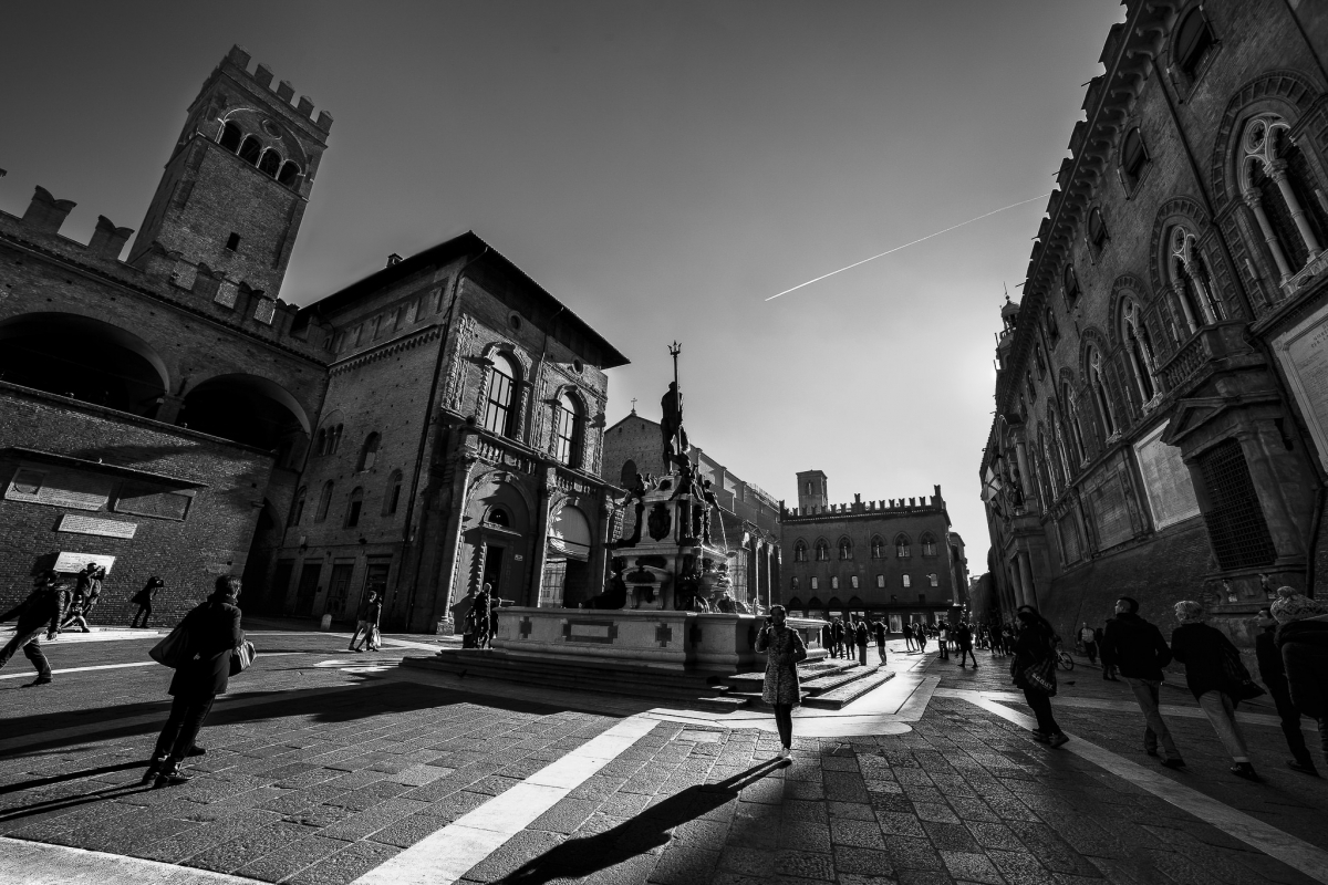 La Bologna sospesa - Angelo nastri nacchio - Bologna (BO)