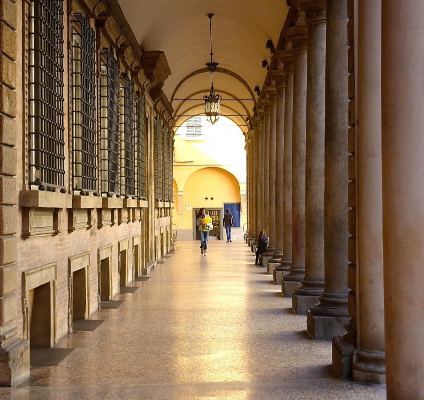 Il portico di Palazzo Vizzani - MOGA64BOLO - Bologna (BO)