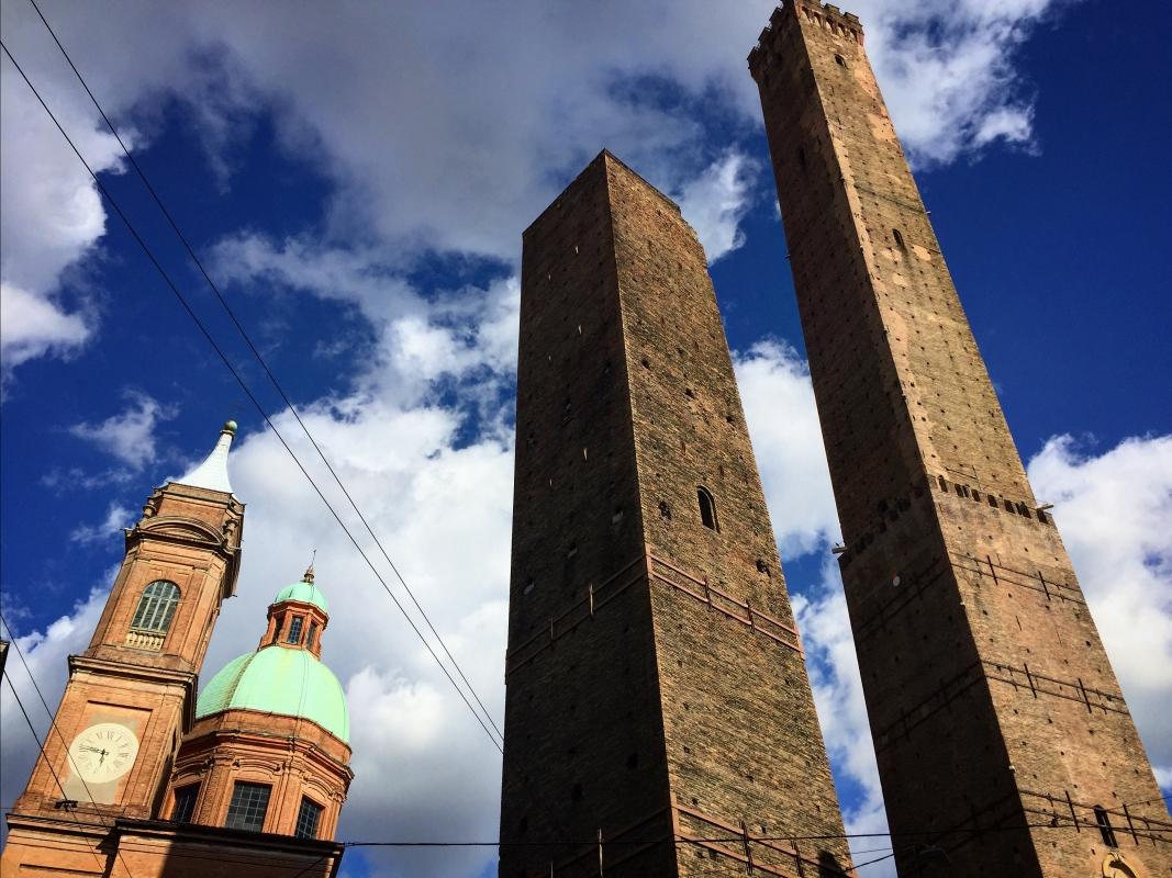 Bologna - le due torri verso il cielo - Clo5919 - Bologna (BO)