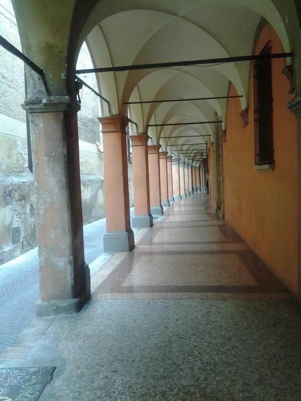 Portico in via Fondazza e mura del Giardino ex convento di Santa Cristina - Alessandro Conte Pai Pao Ren - Bologna (BO)