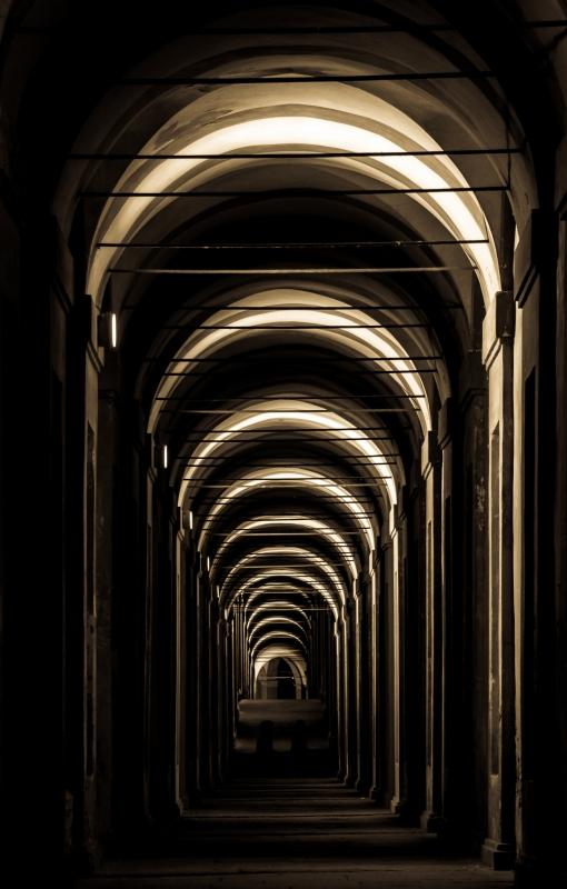 Luci ed ombre a San Luca - Paolo Patella - Bologna (BO)