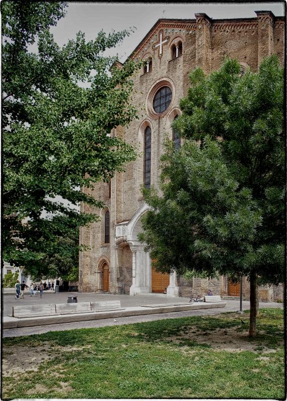 Chiesa di San Francesco tra gli alberi - Claudio alba - Bologna (BO)