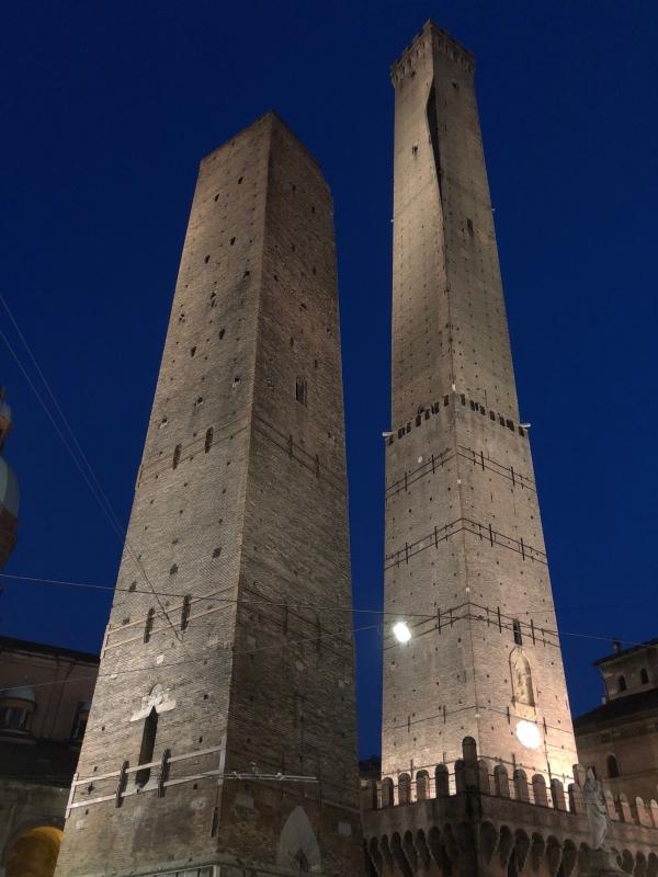 Le Due Torri Notturno - Inoxur - Bologna (BO)