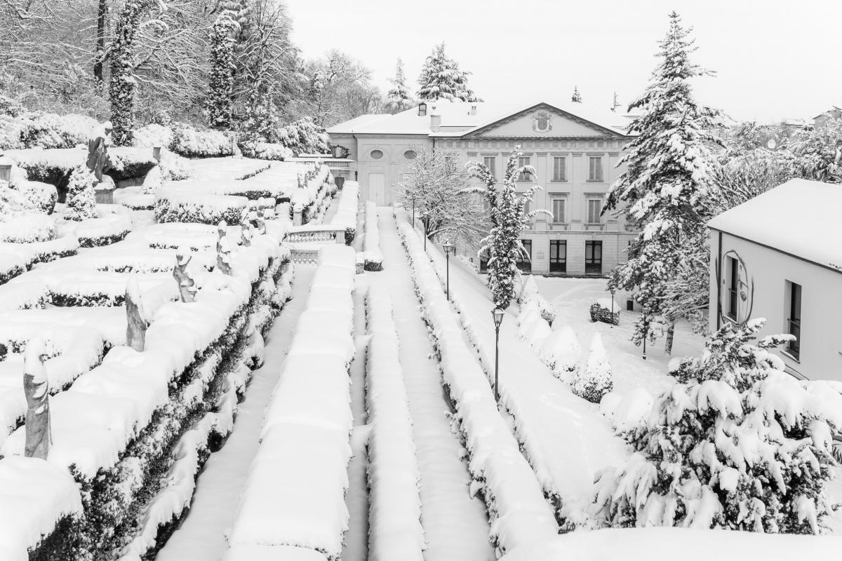 Neve e nero a Villa Spada - Ugeorge - Bologna (BO)