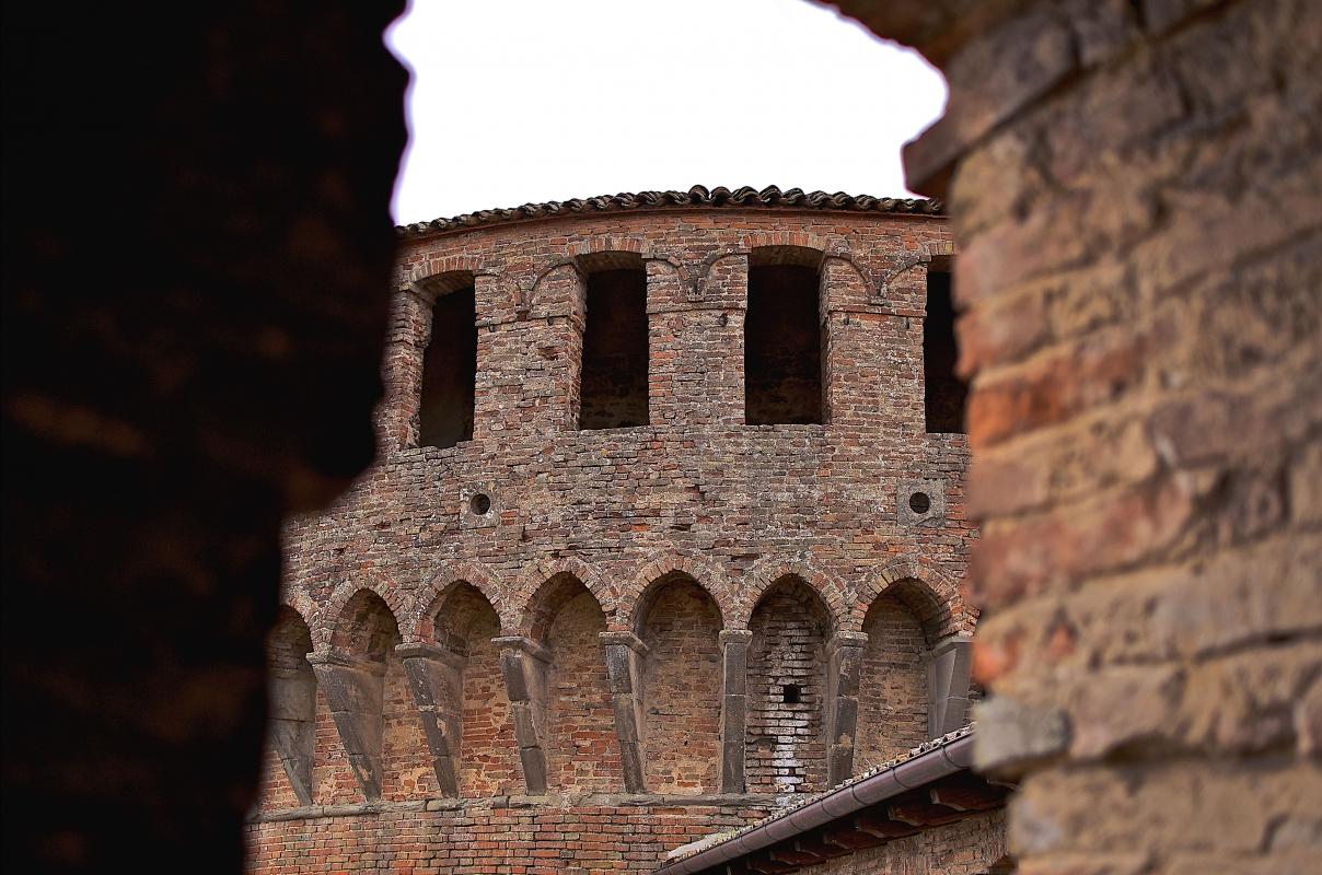 Particolare della torre rotonda della Rocca - Caba2011 - Dozza (BO)