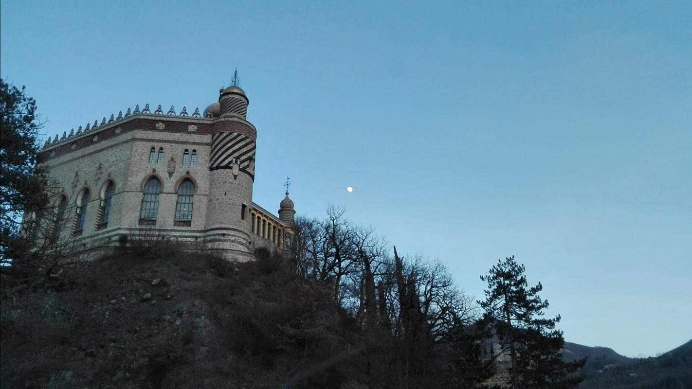 Rocchetta Mattei e luna piena - Mbbest - Grizzana Morandi (BO)