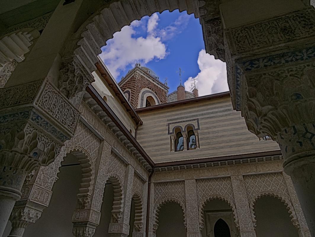 Porticato nel cortile interno - Caba2011 - Grizzana Morandi (BO)