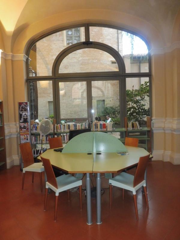 Biblioteca Comunale - dettaglio sala vetrata - Maurolattuga - Imola (BO)