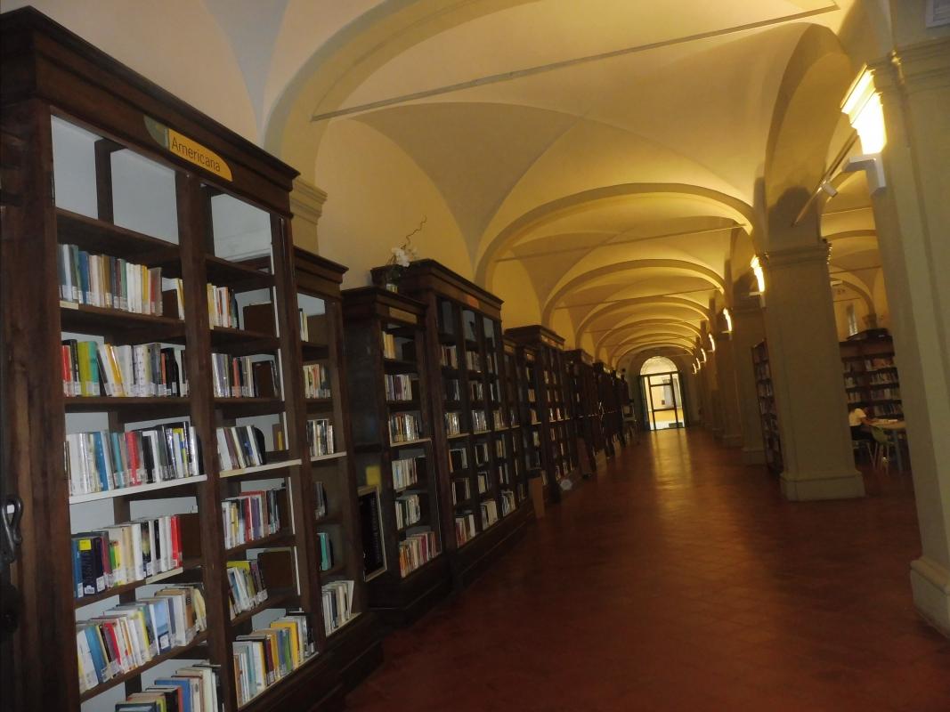 Biblioteca Comunale - dettaglio librerie - Maurolattuga - Imola (BO)