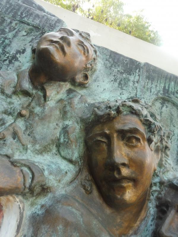 Monumento al II Corpo d'Armata Polacco - faccie - MauroLattuga - Imola (BO)