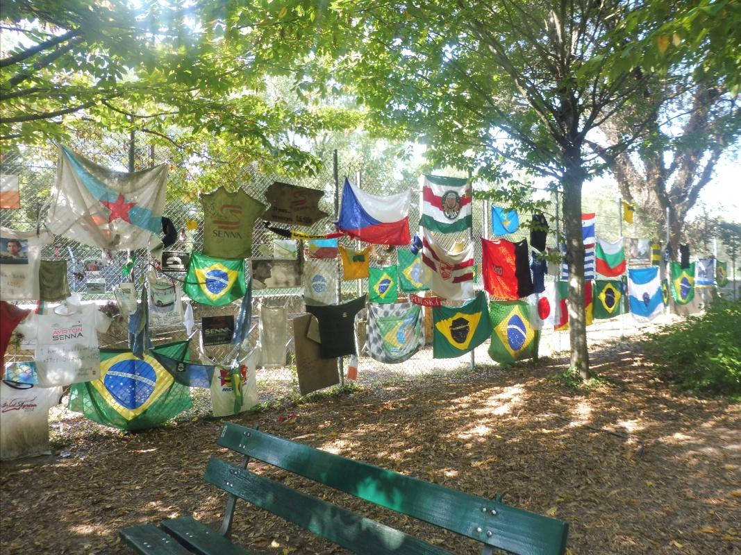 Parco delle Acque Minerali - bandiere - Maurolattuga - Imola (BO)