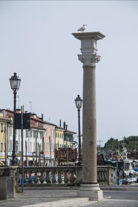 Colonna sul porto canale - Boschetti marco 65 - Cesenatico (FC)