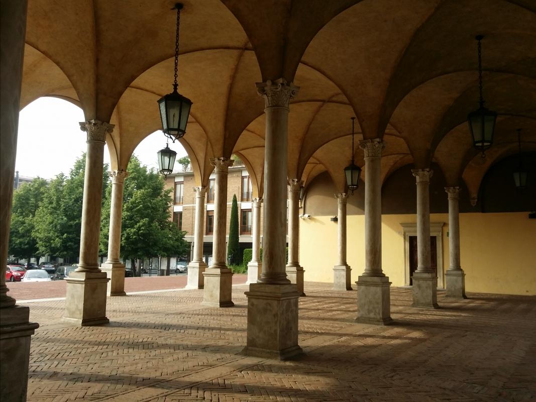 Architetture all'interno del chiostro della Basilica di San Mercuriale - Chiari86 - Forlì (FC)