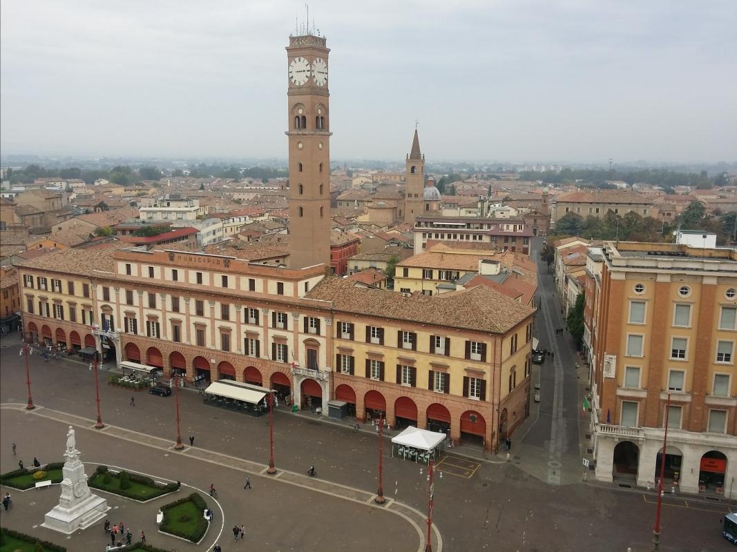 Il Palazzo comunale con la sua torre civica - Chiari86 - Forlì (FC)