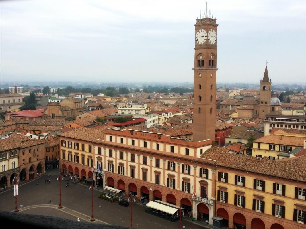 Lo storico Palazzo Comunale e la torre civica - Chiari86 - Forlì (FC)