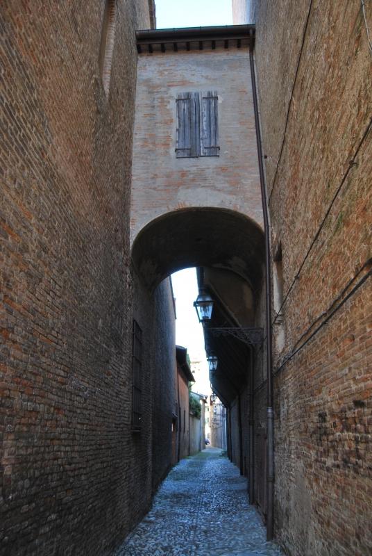 Il caratteristico vicolo storico di Forlì. Vicolo Gaddi - Chiari86 - Forlì (FC)